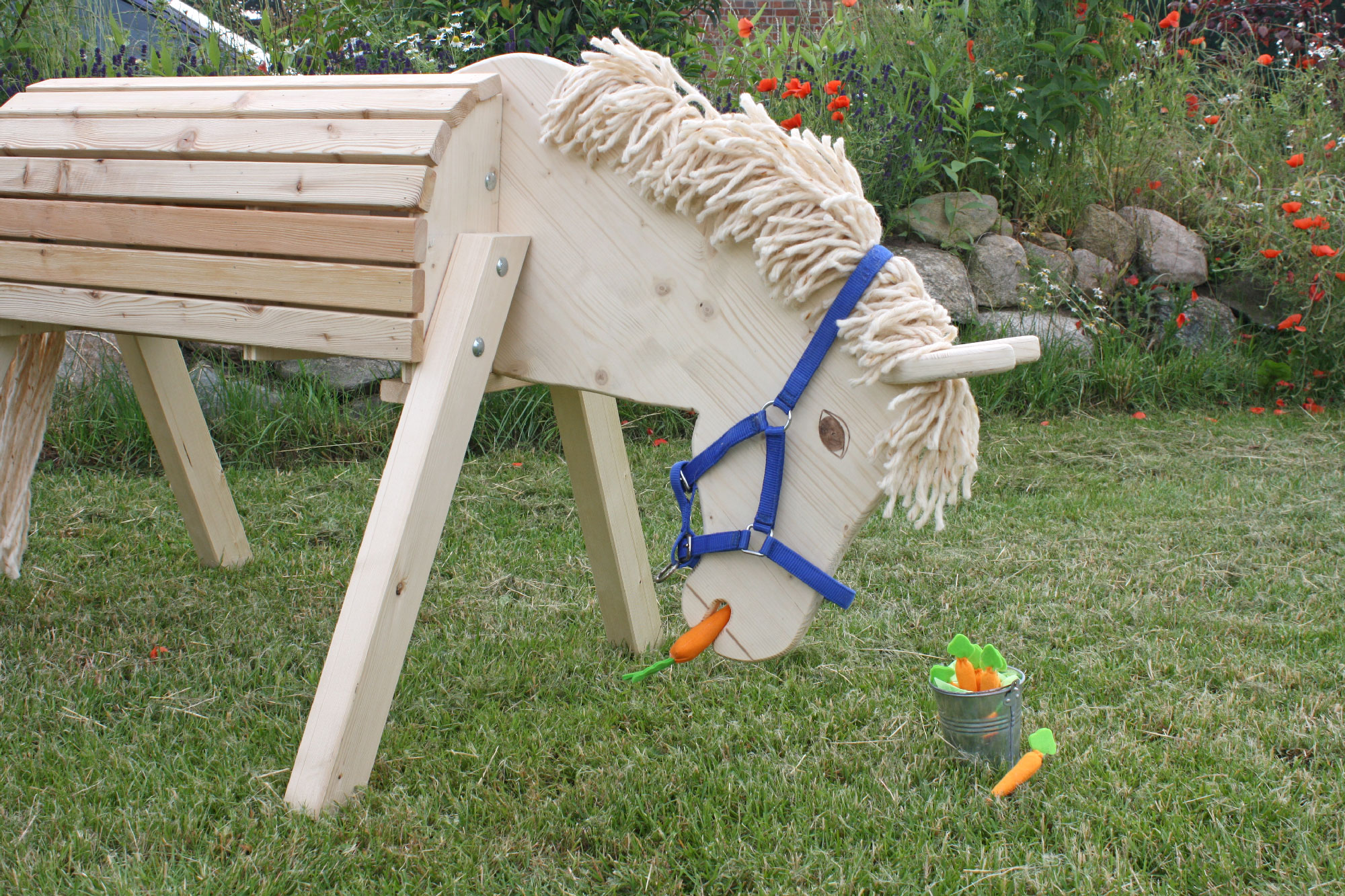 hoq gartenpferd susi mit absenkbarem kopf holzpferd spielpferd sportger t neu 4260197123364 ebay. Black Bedroom Furniture Sets. Home Design Ideas